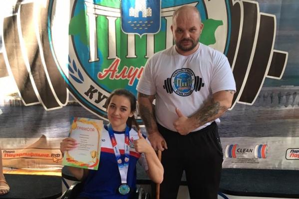 На соревнованиях в Алуште Есения выполнила норматив кандидата в мастера спорта, а Александр — обогнал своего давнего соперника