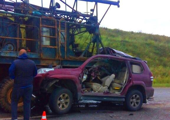 В Прикамье в аварии с грузовиком погиб водитель внедорожника