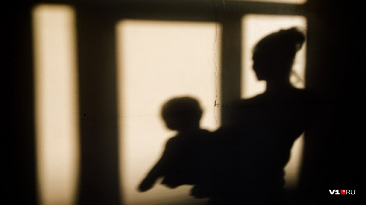 «Проводила гостей и легла спать»: под Волгоградом на улице замёрз 11-месячный малыш
