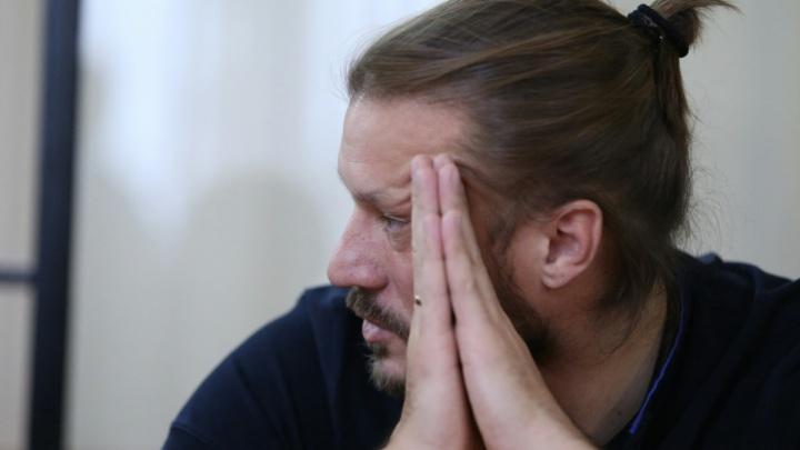 Суд оставил в СИЗО осуждённого за взятку и мошенничество бывшего вице-губернатора Сандакова