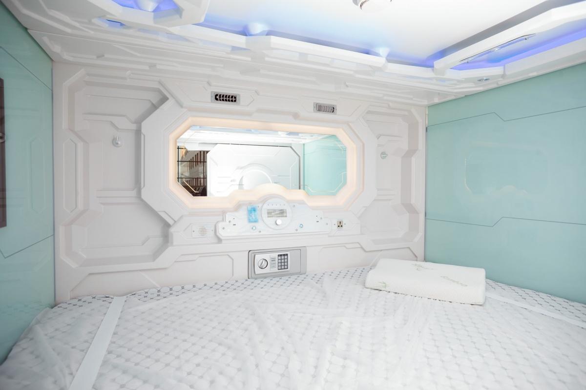 Час сна за 350 рублей: в Кольцово открылся капсульный отель