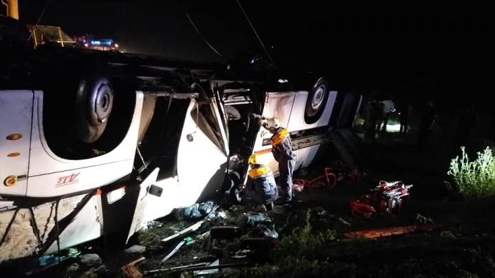 Автобус встал «свечкой»: собрали все, что известно о ДТП в Башкирии, где погибли 6 туристов