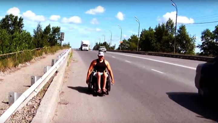 Бодибилдер-инвалид отправился в Хакасию пробегом на инвалидной коляске