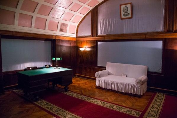 Комната отдыха для Сталина. Официально Верховный Главнокомандующий во время войны здесь так и не побывал