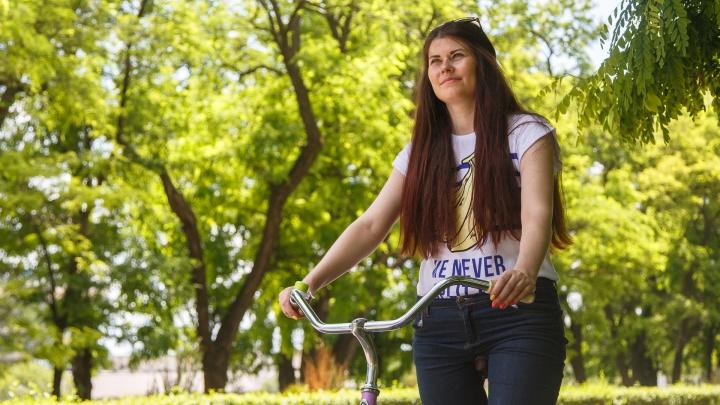 Банни-хоп, фаер-шоу и флешмоб «65»: в Волжском 12 июля устроят пробег на нарядных велосипедах