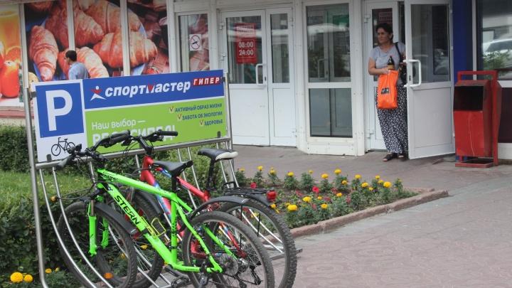 Новосибирск оброс велопарковками
