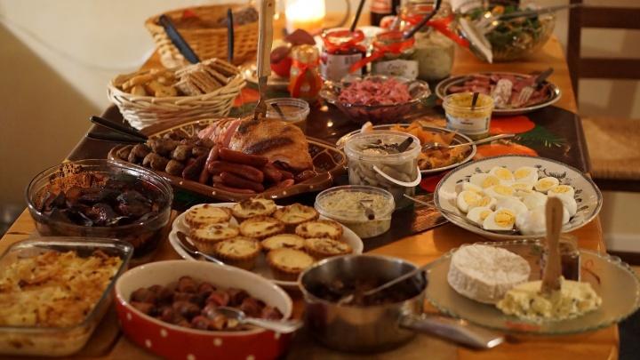Что поставить на новогодний стол: несколько полезных подсказок для занятых тюменцев