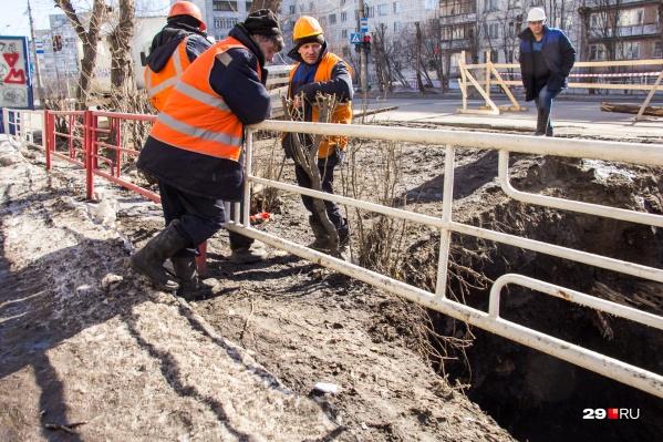 Кроме Архангельска без воды сидит и поселок Зеленец
