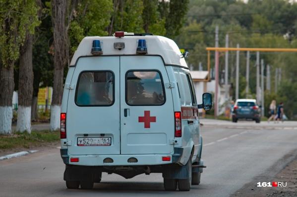 Ребенка сначала привезли в районную больницу, а затем из-за осложнений отправили в областную