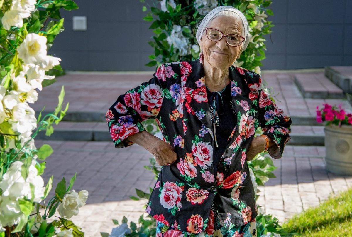 Легендарная 91–летняя путешественница из Красноярска оценила качество четырехзвездочного санатория