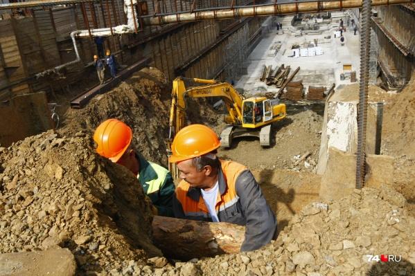 Бывший губернатор Борис Дубровский и экс-мэр Челябинска Евгений Тефтелев не раз заявляли, что метро нужно достроить. Последний строил амбициозные планы — пустить ветки от Чурилово до Северо-Запада