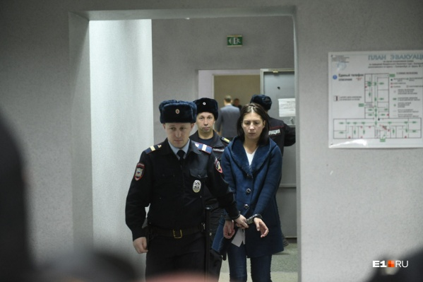 Пока родителям Екатерины Меньшиковой ничего не угрожает — сегодня женщину отправили в СИЗО