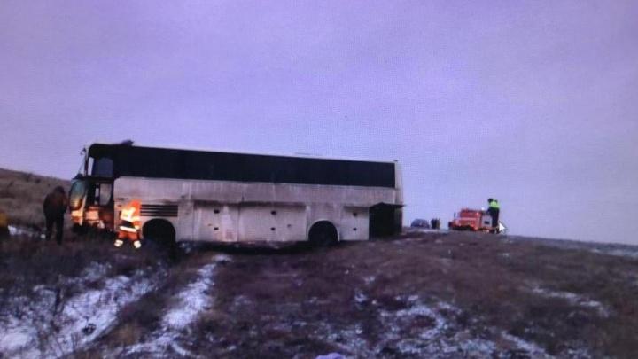 Под Волгоградом в ДТП попал автобус с вахтовиками