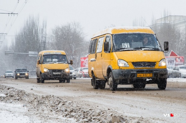 Маршрутчики предполагают повысить стоимость проезда после роста цен на бензин