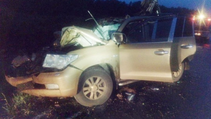 Пьяный тюменский бизнесмен разбился насмерть, врезавшись в трактор. Но судят за это ДТП тракториста