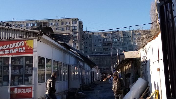 В Волгограде потушили пожар на рынке «Олимпия»