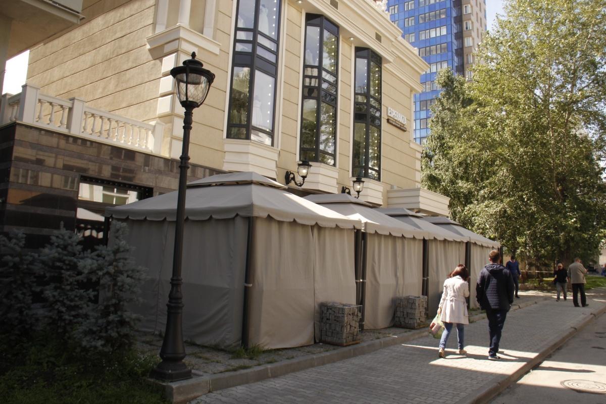 В заведении говорят, что получили разрешение мэрии на сооружение веранды