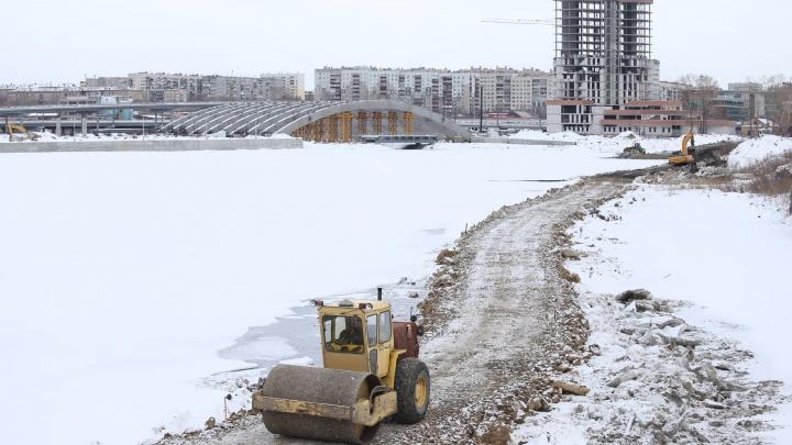В Челябинске достроят конгресс-холл, «шагающий» через реку Миасс