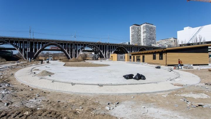 «Вы в мае придете кататься?»: в Волгограде вновь перенесли открытие большого зимнего городка