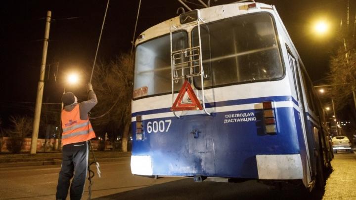 «Замена на автобус — это деградация»: волгоградцы просят пустить закрытый маршрут троллейбуса в центр