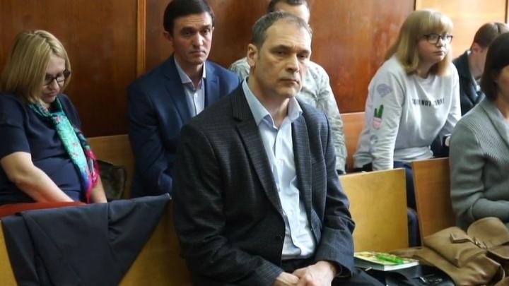 Громкий процесс о взятке главе Верх-Исетского района отложили до начала августа