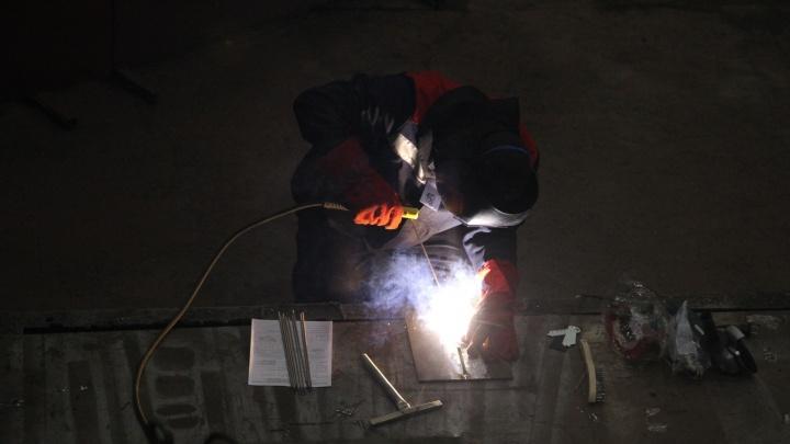 В Архангельске инженер по охране труда получил год условно за гибель рабочего
