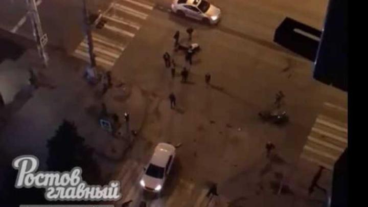 Опасный поворот: в центре Ростова сбили байкера