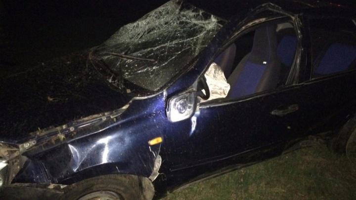 На трассе в Башкирии водитель Lada Granta не справился с управлением и улетел в кювет