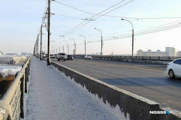Ленинградский мост пообещали отремонтировать в этом году