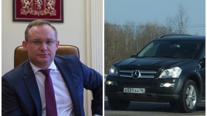 В свердловском правительстве объяснили, откуда у охотившегося постпреда взялся служебный Mercedes
