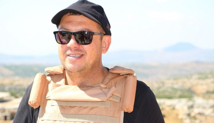 Сергей Бобунец похвастался медалью Министерства обороны за участие в войне в Сирии