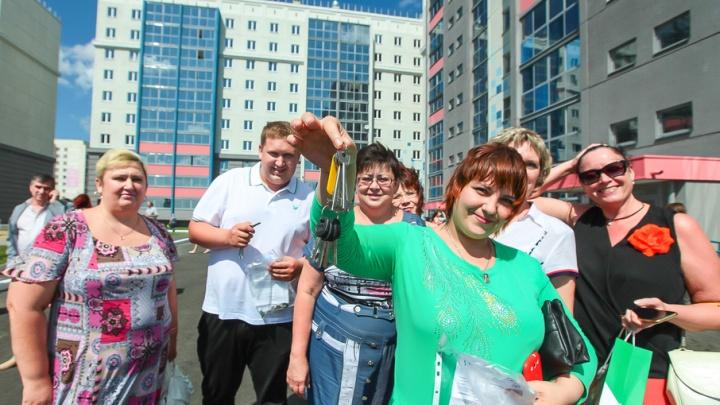 «Это хороший опыт»: дом на берегу Смолино для переселенцев оценил бывший премьер России