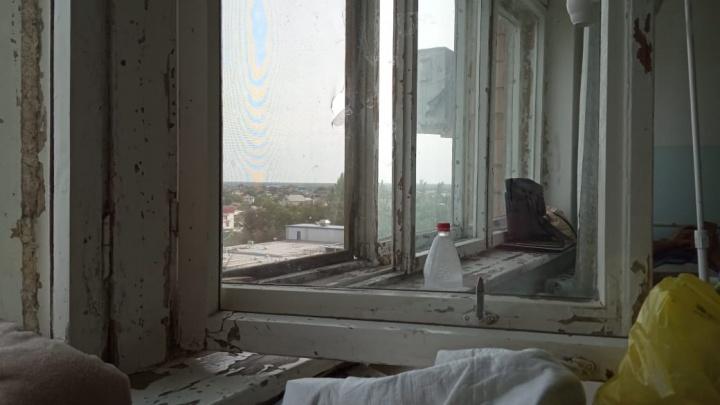 «Нет разницы, от чего умрут больные»: волгоградцы показали страх и ужас больницы Фишера в Волжском