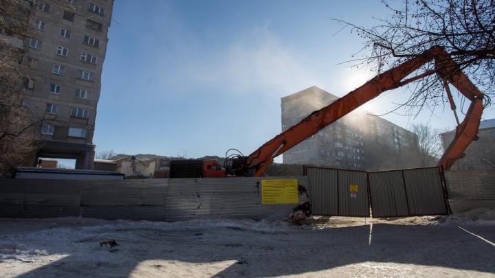 «Это болото»: жители дома, пострадавшего от взрыва в Магнитогорске, раскритиковали новый участок