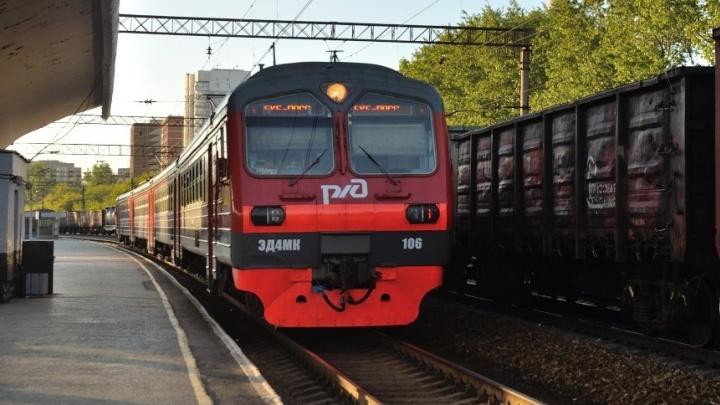 Пассажирам пригородных поездов на Урале будут по дороге рассказывать о достопримечательностях