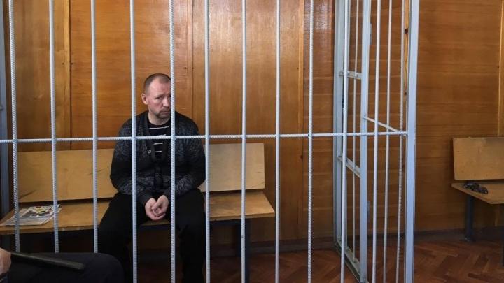 Таксист, обвиняемый в убийстве 22-летней девушки на Широкой Речке, разрыдался на последнем слове в суде