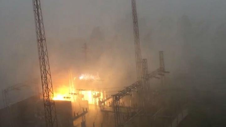 В Миассе во время сильного ливня вспыхнула электроподстанция
