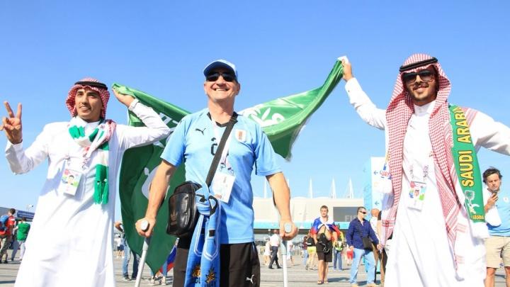 Ростовчане в шоке: арабские болельщики убрали за собой мусор на стадионе
