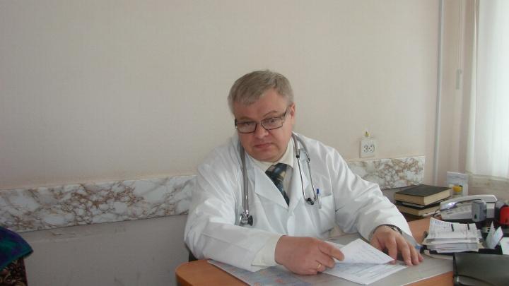 В субботу в Омске простятся с известным кардиологом Александром Шустовым