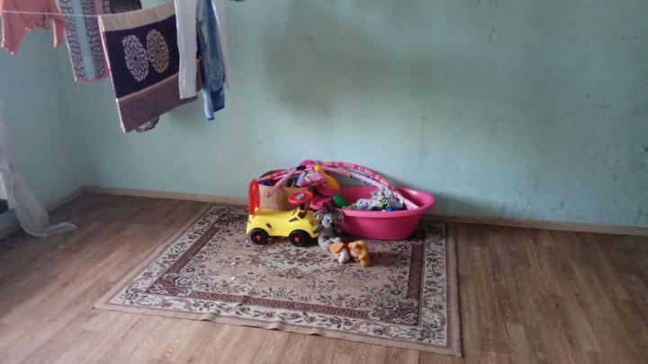 Чиновников, соцработников и полицейских подозревают в халатности после смерти 4-месячной девочки