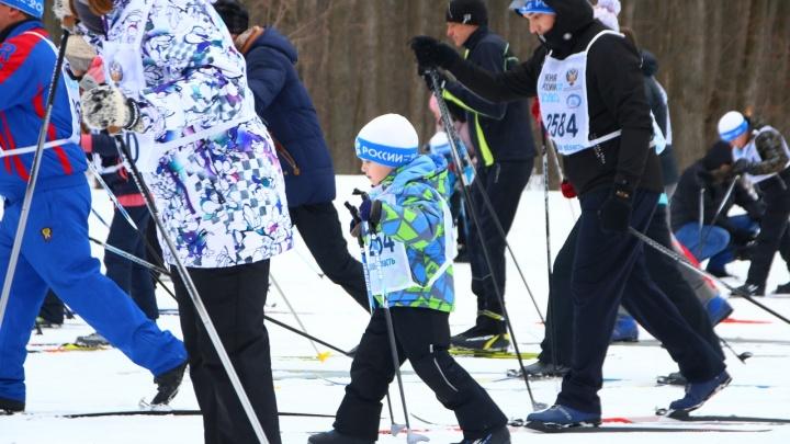 И мороз нипочём! Сотни самарцев вышли на «Лыжню России»