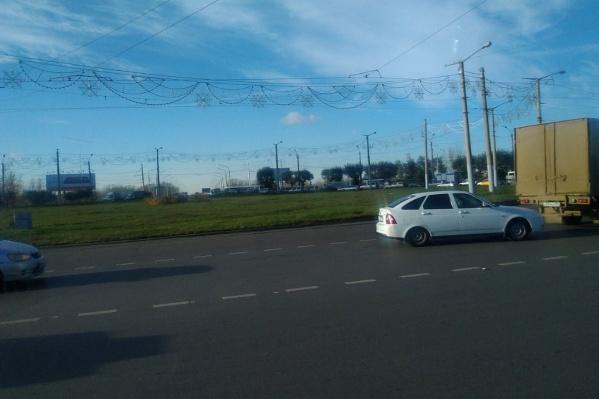 Из-за аварии пробка сковала Коммунальный мост