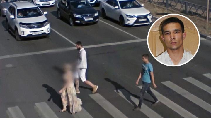 Срывал цепочки с женщин: полиция ищет пострадавших от рук грабителя в Самаре