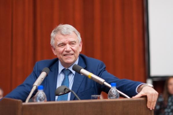Валентин Пармон объяснил Андрею Травникову, что такое Академгородок
