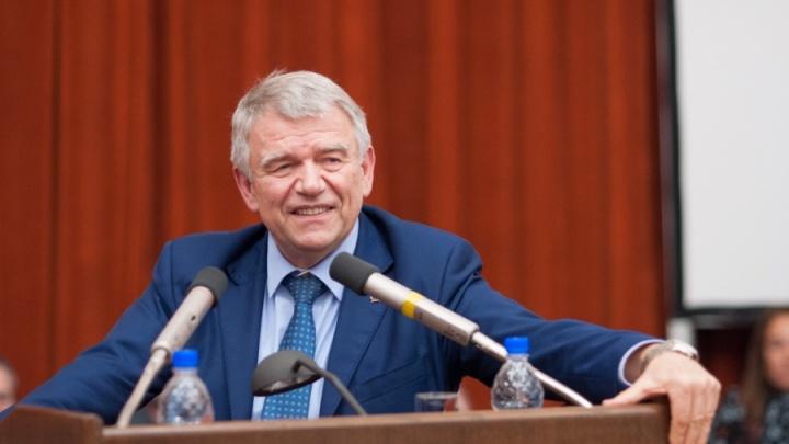Дружить с государством, поднять зарплату учёным: академик Пармон рассказал, что будет с СО РАН