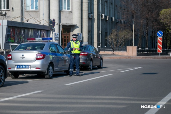 Угнанную машину остановили, а водителя задержали