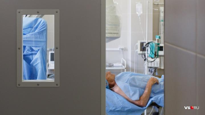 «Стой здесь, я сейчас»: волжанка до полусмерти избила случайного прохожего
