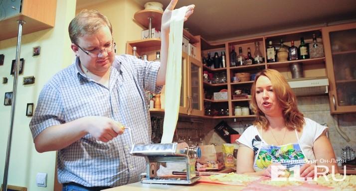 Кухня вместо магазина: продолжаем экономить на еде и делаем макароны дома