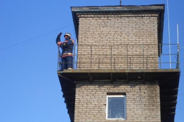 Арт-объект стал символом тяжелой работы пожарных