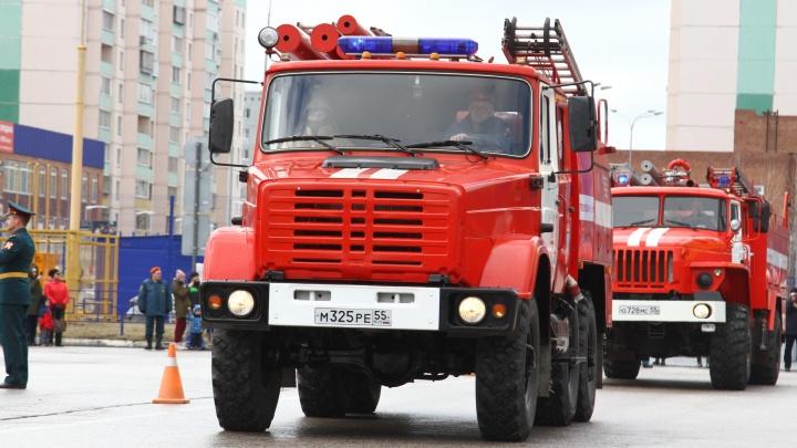 На страже Нового года: публикуем телефоны экстренных служб Омска
